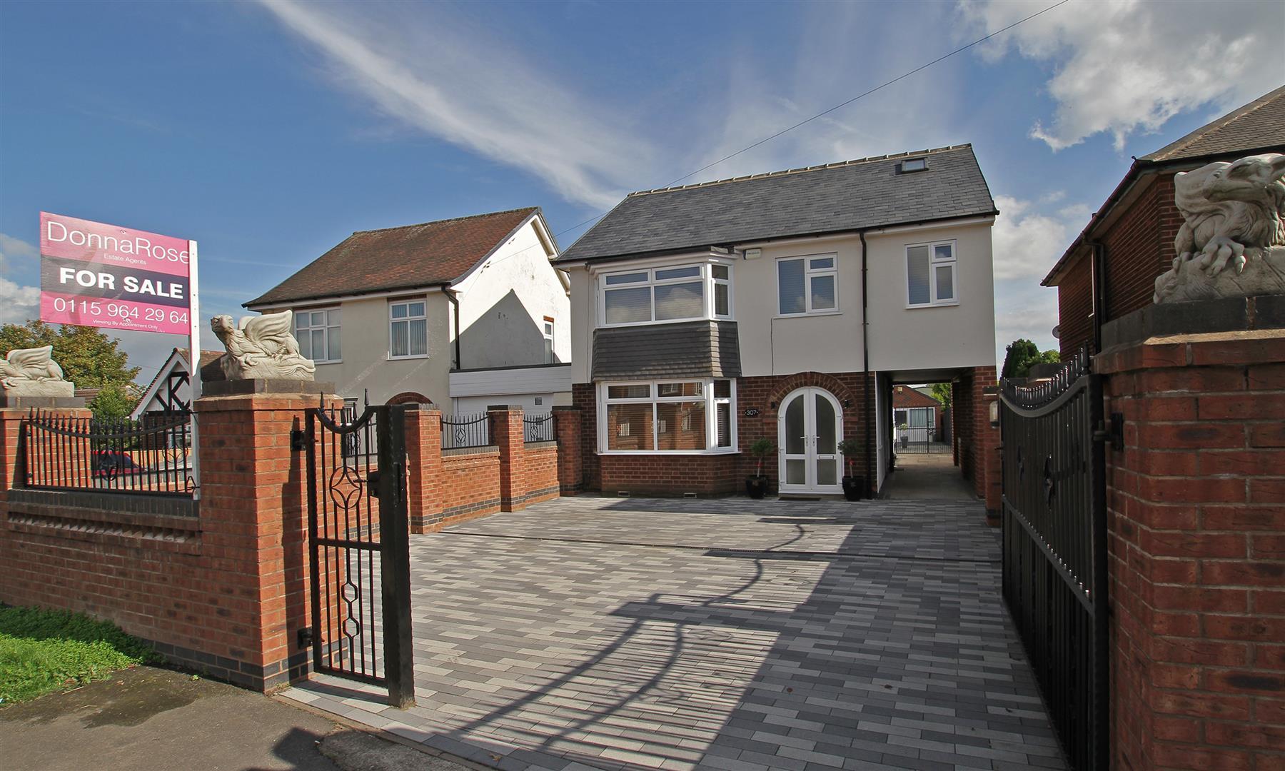 4 Bedrooms Detached House for sale in Watnall Road, Hucknall